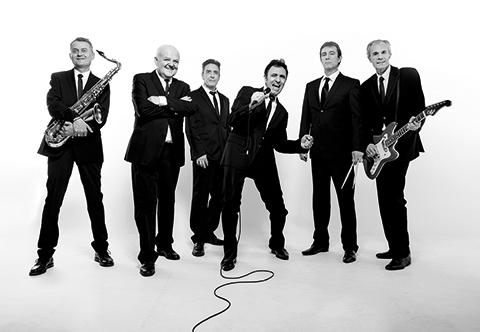 Les Socquettes Blanches - Il Revient - les musiciens avec Ricky Norton au chant